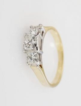 18 ct Yellow gold diamond engagement ring