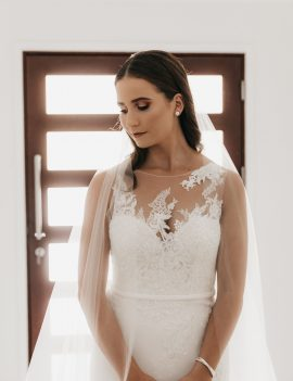 Pronovias Drenoa Gown (and veil)